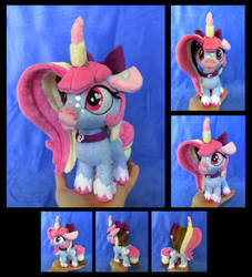 Polly the Moonicorn by fireflytwinkletoes