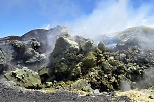 Mount Etna by AlexLehner