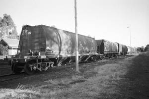 Railroad cars 2 by imroy