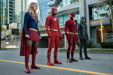Arrowverse Trinity and 90s Flash in Else Pic by Artlover67