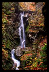 Delicate falls by DanSandy