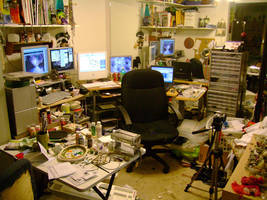 My Mess - um workspace.... by Luna-Rose