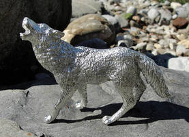 Pewter Howling Wolf by Psydrache