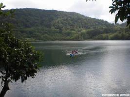 Sail in the Lake by zenshiki