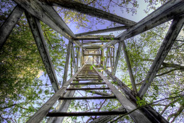 Ladderway to Heaven by Beezqp