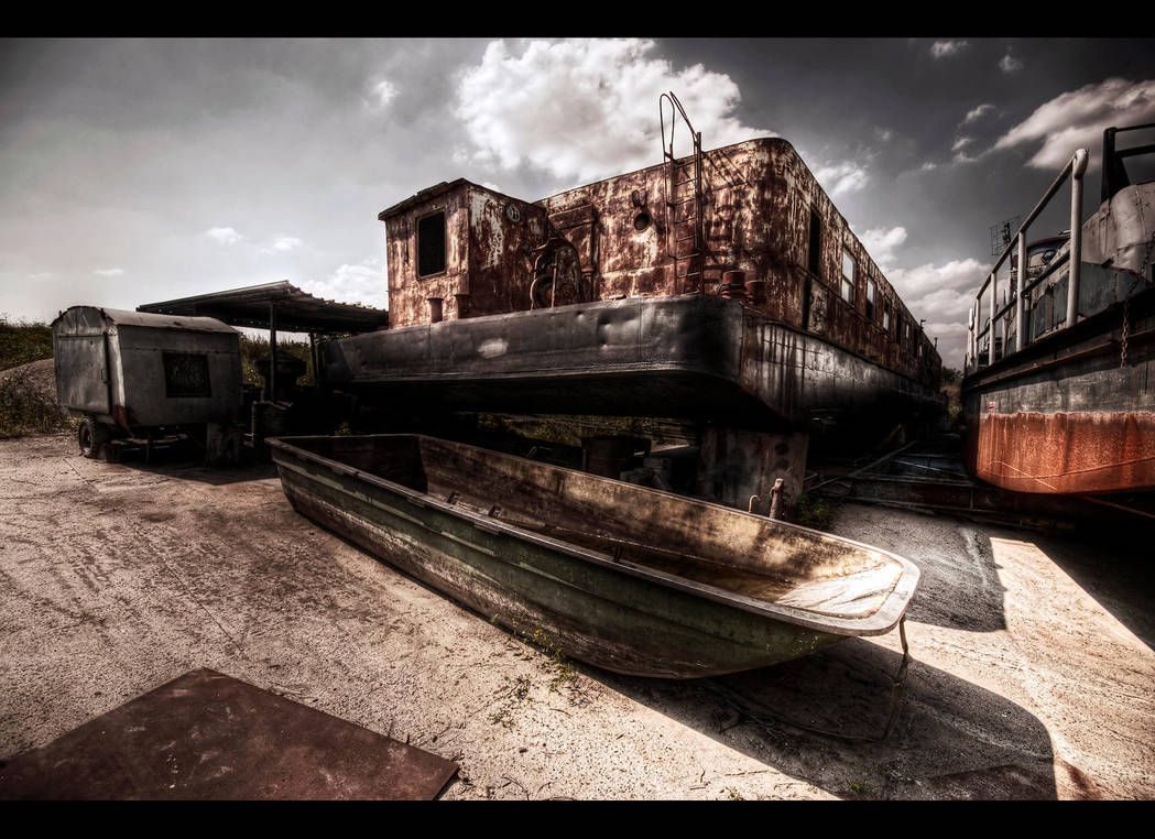 Lifeboat by Beezqp
