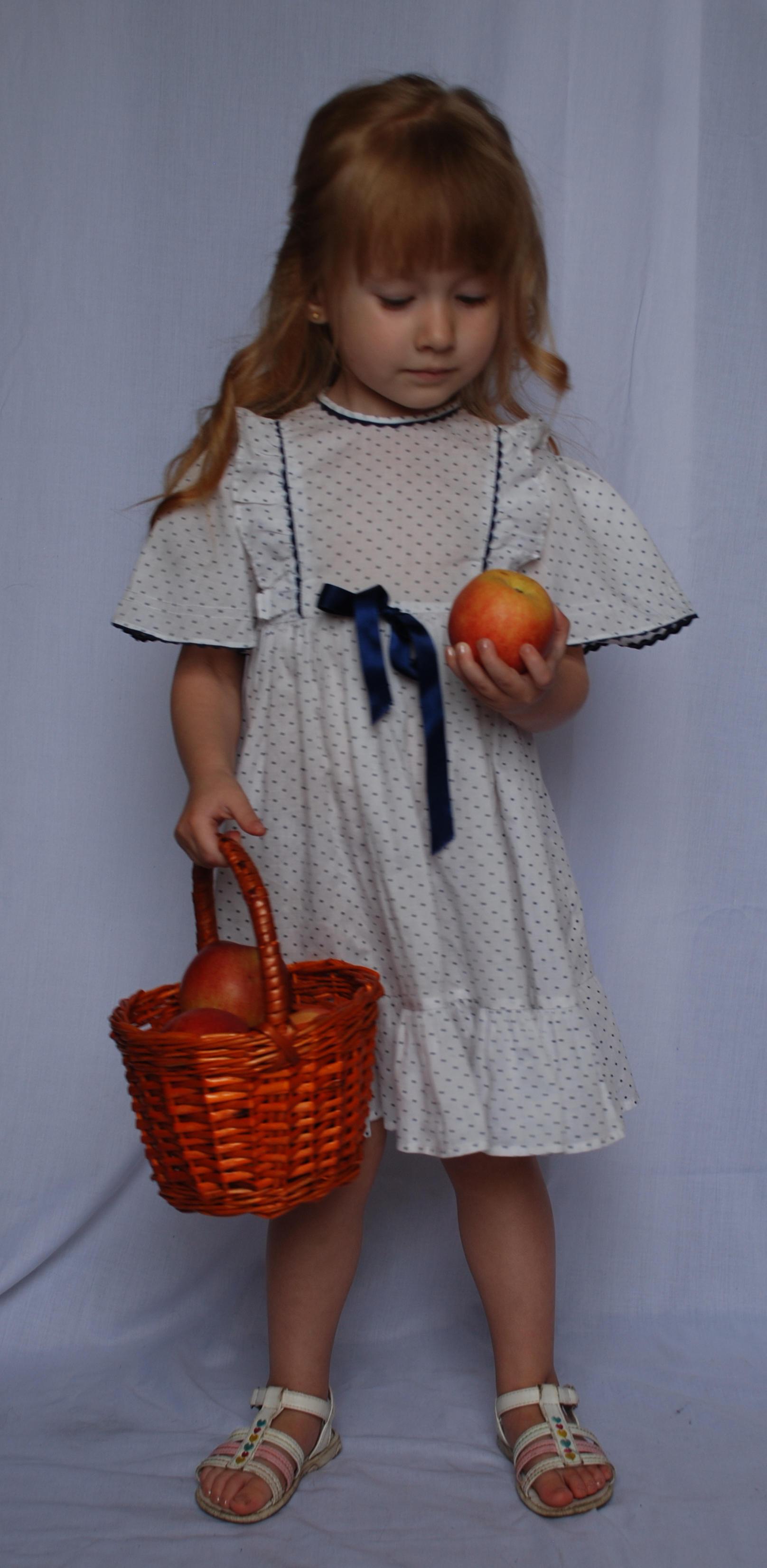 The apples_11 by anastasiya-landa