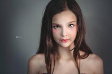 Doll by L-Noreak