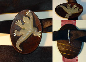 Commission:Gecko Pendant by entanglement