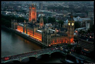Parliamentary Glow by hesitation
