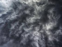 Roaring Sky by WillTC