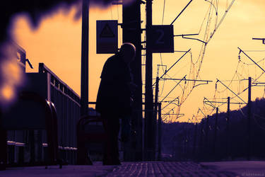 Waiting For the Train by WestMauE