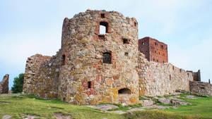 DSC02953redx castle by piaglud