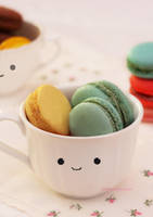 We Heart Macarons by theresahelmer