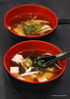 Learn How To Make Dashi and Miso Soup (+recipe) by theresahelmer
