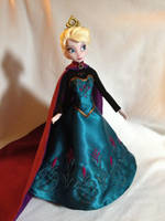 Custom Frozen Elsa Coronation Doll by daphnetails