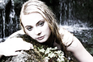 waiting at the waterfall by mudukrull
