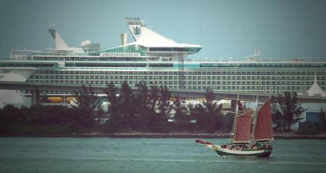 Boating in MayaMi by editordistriktmag