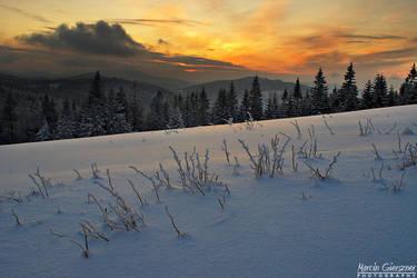 Winter sunset by yonashek