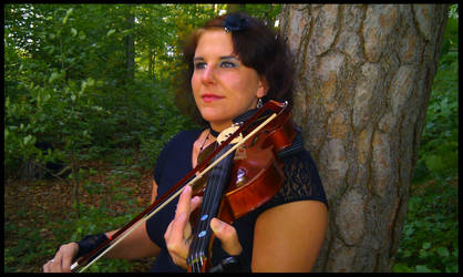 Playing Violin_3 by polarwoelfin1984