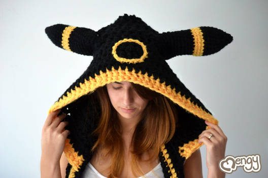 Umbreon Scoodie by mengymenagerie