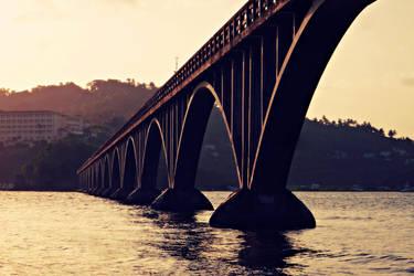 El Puente de Samana by byfrankiec
