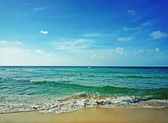 Clear Blue Sea by byfrankiec