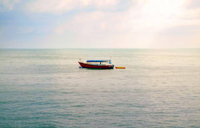 Lonely Boat by byfrankiec
