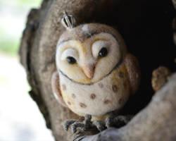 Queen barn Owl by SulizStudio