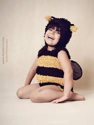 Bumble Bee VI by janahi-photography