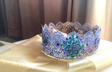 Lace crown for birthday by sillysarasue