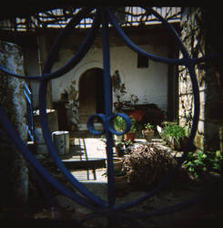 Through the gate by fmlavita