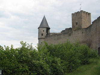 Bourscheid Castle: The Curtain Wall by Syltorian