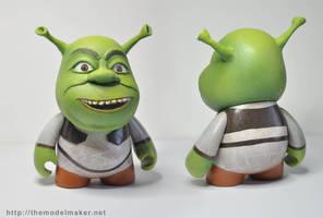 custom munny Shrek by artmik