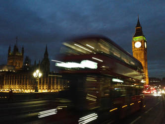 Night Westminster by Fzuzic