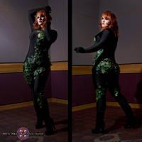 Poison ivy - Back in the Shadows by xXAutumnIvyXx