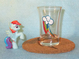 Rainbow Dash Cutie Mark shot glass and cork coaste by Malte279