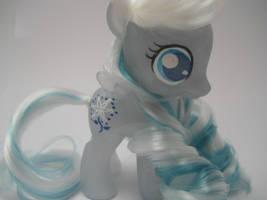 Pearly Resin Snowdrop by TiellaNicole