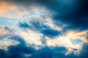 Golden Crocodile Clouds by somadjinn