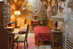 Al Capone's Luxurious Prison Cell by somadjinn