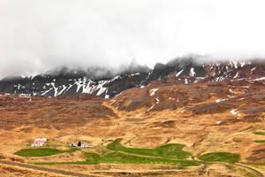 Looming Oxnadalur Fog by somadjinn