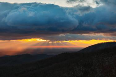 Winter Shenandoah Sunrise by somadjinn