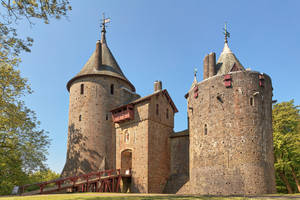 Castle Coch (freebie) by somadjinn