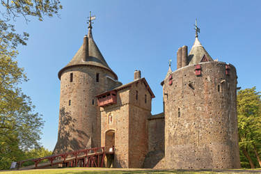 Castle Coch (freebie) by somadjinn