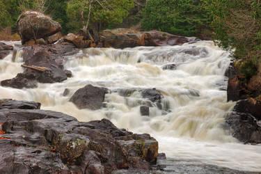 Crooked Falls by somadjinn