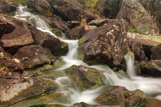 Cwm Idwal Cascades by somadjinn