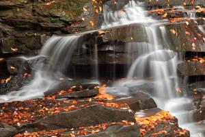 Splitting Autumn Falls of Garden Creek by somadjinn
