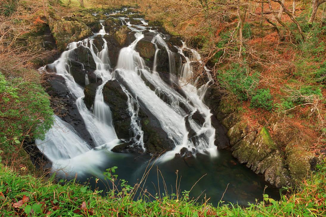 Welsh Swallow Falls by somadjinn