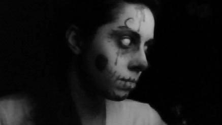 Skull Girl2 by LordOfWhiteSoul