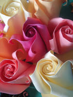 Roses and Cubes 4 by KiYtZiA